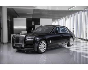 Rolls-Royce Phantom 8 Black